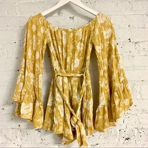 AKIRA yellow floral bell sleeve romper S